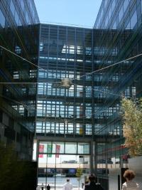 Sonderlösung mit akustischer und visueller Meldung bei Klemmgefahr für die National Australia Bank, Melbourne (Australien)